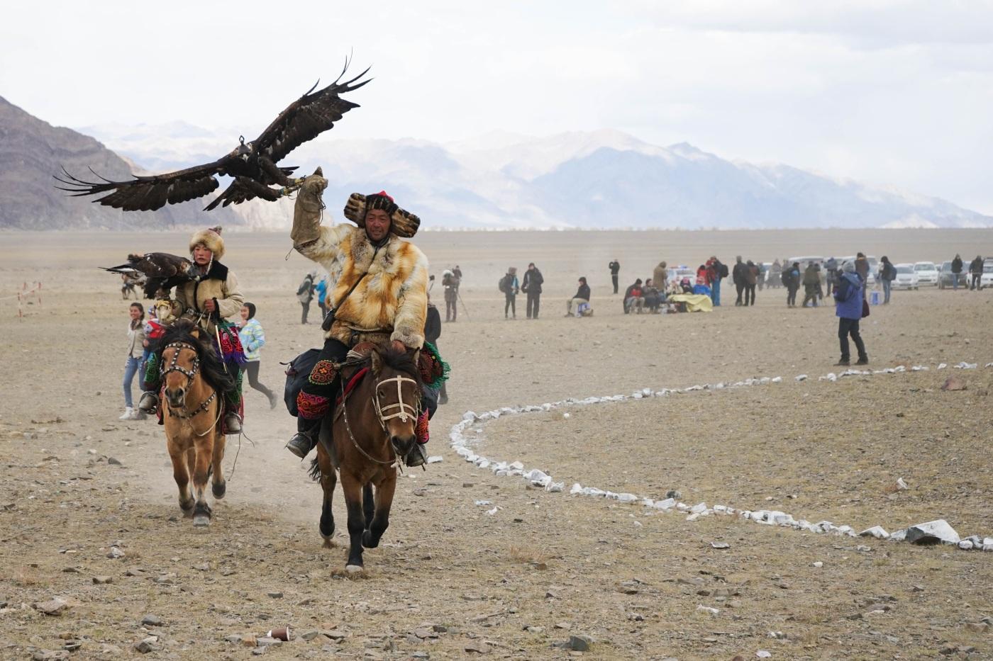 The Golden Eagle Festival, Western Mongolia – Wanderlust of Dill
