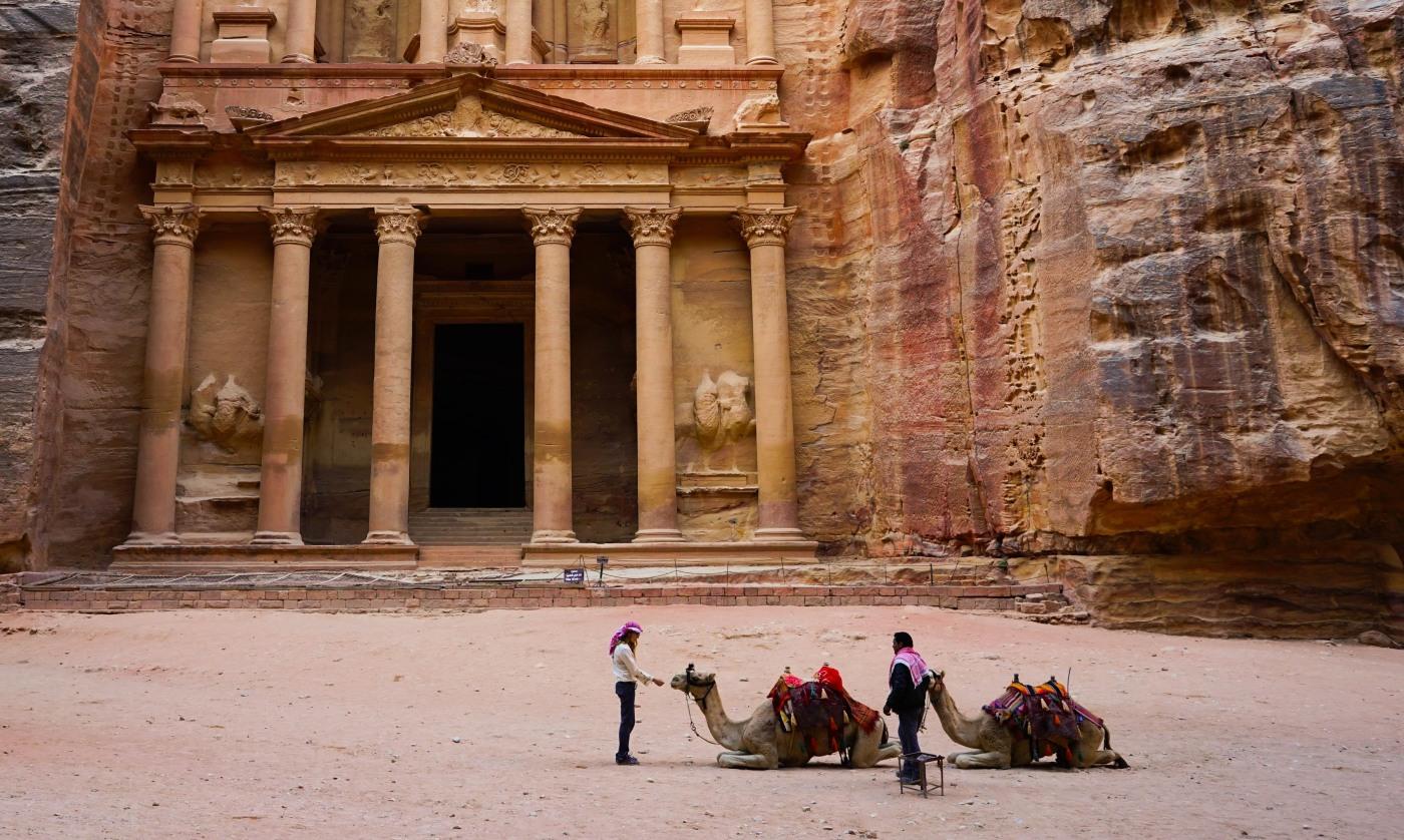 de1fbc8fde4 The ancient city of Petra – Jordan – Wanderlust of Dill